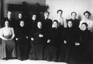 Women_in_Finnish_Parliament_(1907)