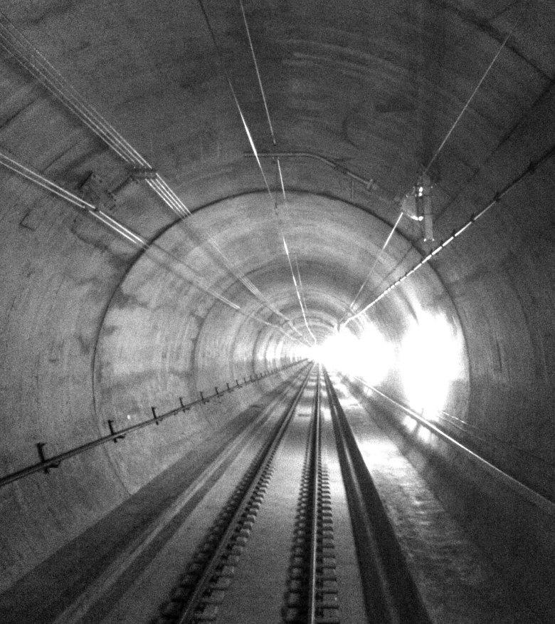 Tunnel_de_base_du_Gothard_nb